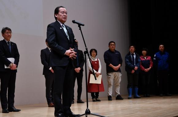 岩手県陸前高田市の戸羽太市長も登壇した
