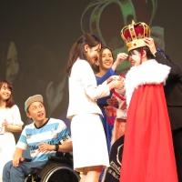 グランプリを受賞した田澤麻里香さん。「酒蔵ホテル」を企画している