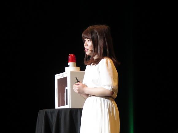 AEDの普及に力を注ぐ岡田紗季さん