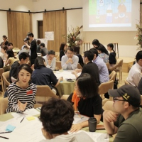「サーキュラーエコノミー」をテーマに行われたワークショップ会場では、企業担当者や一般参加者など70人程が参加し活発な意見が交わされていた。ワークショップはこの日計3回行われた